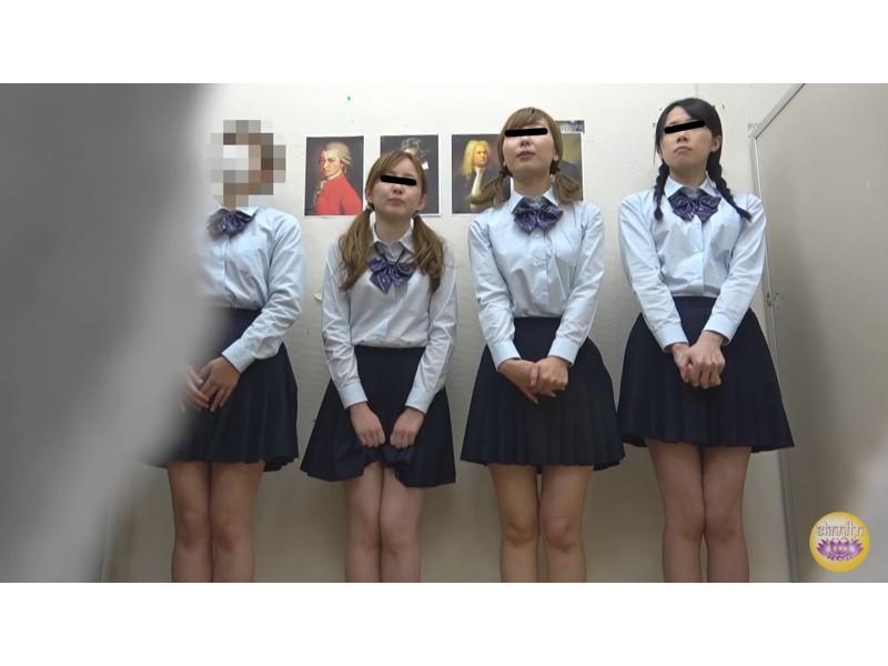 女子校トイレ 流れない激臭小便 サンプル画像14