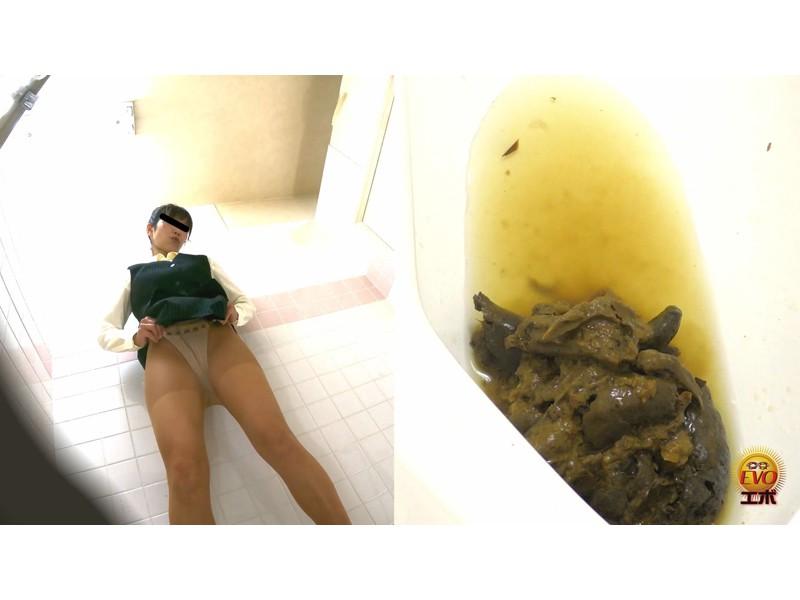 社内トイレ盗撮 便秘OL 踏ん張りおなら大便 サンプル画像10