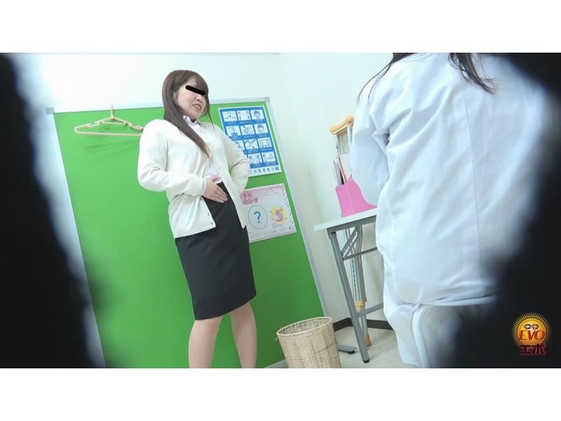 トイレ盗撮 便秘女教師の苦悶×爽快 浣腸大便 サンプル画像15