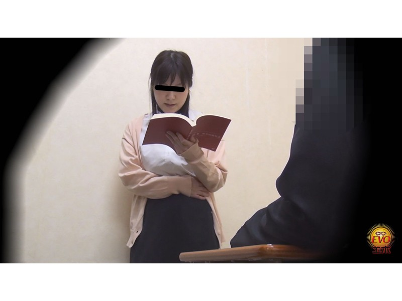 トイレ盗撮 便秘女教師の苦悶×爽快 浣腸大便 サンプル画像17