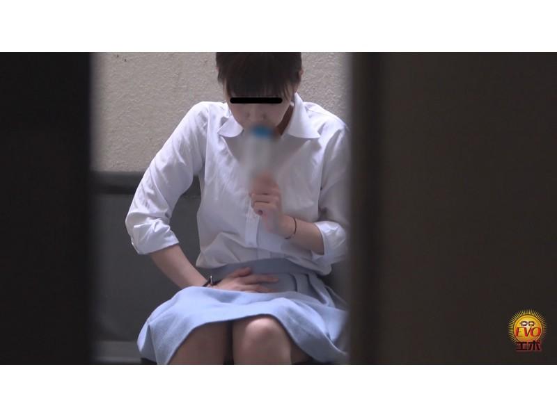 トイレ盗撮 便秘女教師の苦悶×爽快 浣腸大便 サンプル画像21