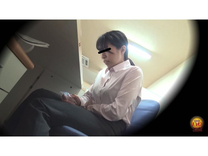 トイレ盗撮 便秘女教師の苦悶×爽快 浣腸大便 サンプル画像23