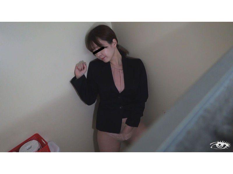 追跡隠撮 一日に何度もオナニーする美女 サンプル画像1