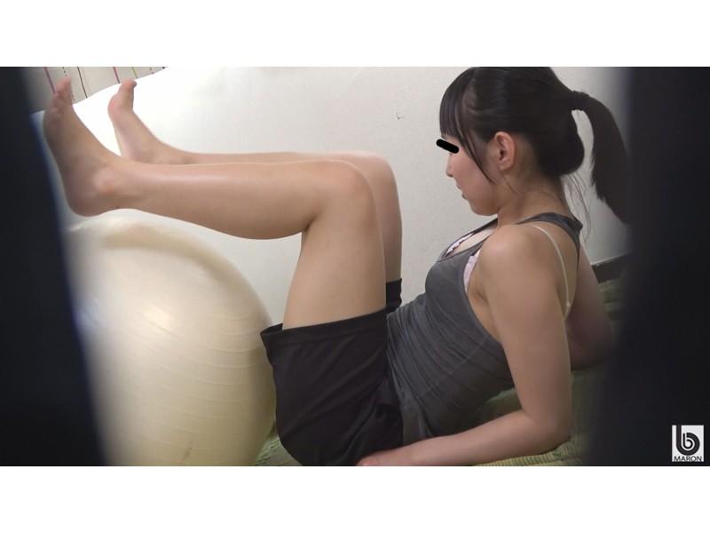 美肌スポーツ女子 運動後の濡れ染みる汗だくオナニー サンプル画像1
