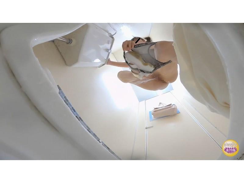 緊急放尿女子 脱衣トラブル お漏らし大失態 サンプル画像3