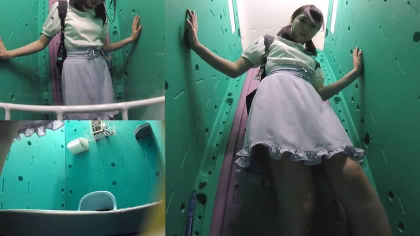 美少女厳選 花火大会仮設トイレハイビジョン高画質3カメ盗撮  サンプル画像10