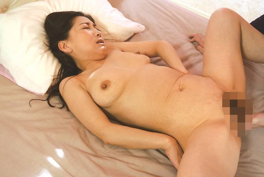 鹿児島から上京した嫁の母が… 西浦紀香 47歳  サンプル画像11