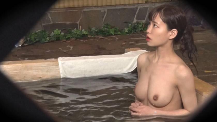 あいり(23) 推定Eカップ 箱根湯本温泉で見つけたお嬢さん タオル一枚 男湯入ってみませんか?  サンプル画像11