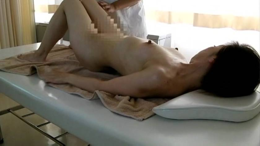 エロマッサージでぬるぬるの濡れ濡れになった人妻をハメる悪徳マッサージ師  サンプル画像12