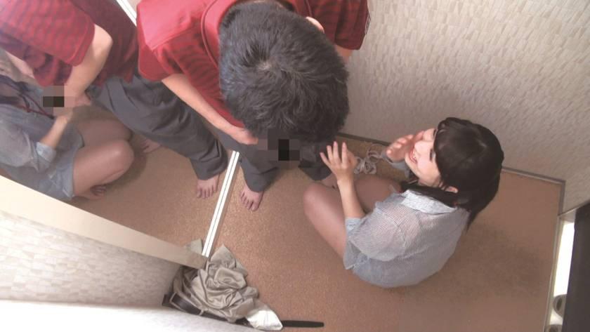 試着室で女子店員に変態猥褻強行 密室盗撮スペシャル240分  サンプル画像14