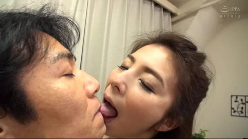 美熟女のお顔をベロベロ舐めたい 一条綺美香 熟成された50年モノ 乾いた肌に唾で潤いを与えましょう  サンプル画像15