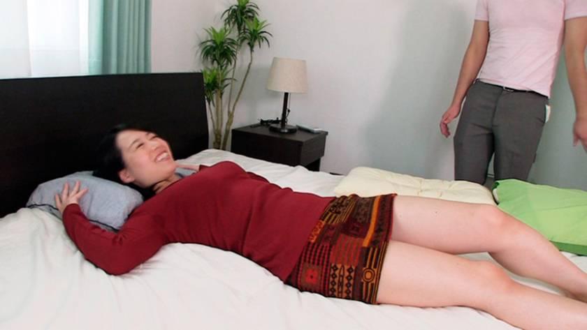 腿こきマダム 4 本庄瞳 嶋崎かすみ 押見れな 神納花 平野里実  サンプル画像17