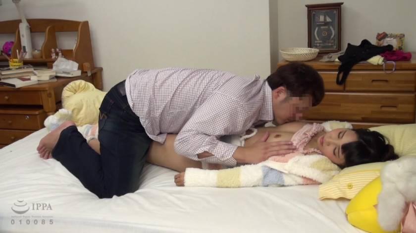 眠った姉と何度も性交を繰り返す弟の近親相姦映像 8時間  サンプル画像18