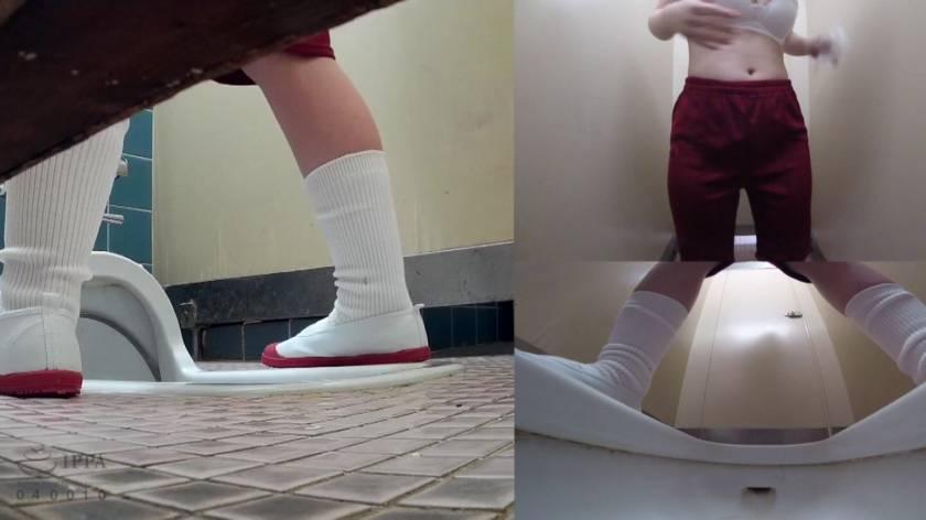 学校管理人による旧校舎和式トイレ無毛美少女盗撮投稿映像  サンプル画像18