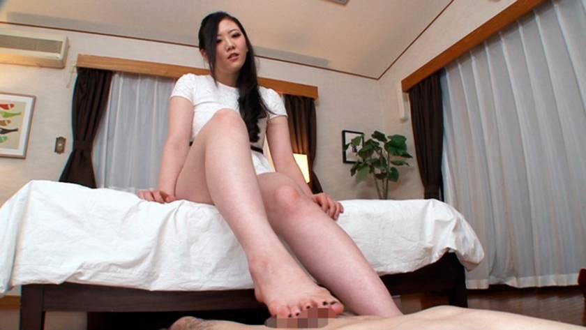 ぼくは脚の虜 その脚を舐めさせて!その脚でイカせて! まなかかな 中川絢音 寺川麻衣 藍原あおい 陽菜なつ  サンプル画像18