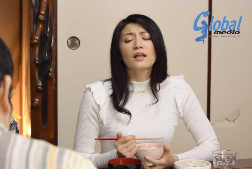 緊縛近親相姦 母親廃業 古川祥子  サンプル画像1