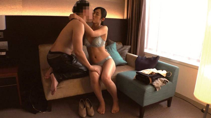 倉田恵 34歳 AV DEBUT にっこり笑顔の天然ドスケベ、春の始めに思わず不貞。  サンプル画像1