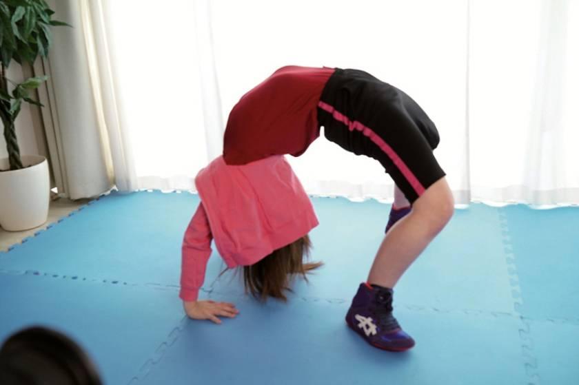 女子プロレスラー新弟子だった木村リア(20)がやけっぱちのAV出演 練習が辛くて合宿所を抜け出し、もうリングには戻らないとAVデビューでイキまくり!しかも処女  サンプル画像1