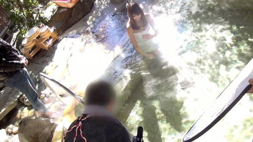 【NTR温泉】僕にはもったいないくらい可愛いくて美肌な彼女が見ず知らずの男とHをしたらどんな表情をしてヤルのか見てみたい なな  サンプル画像1