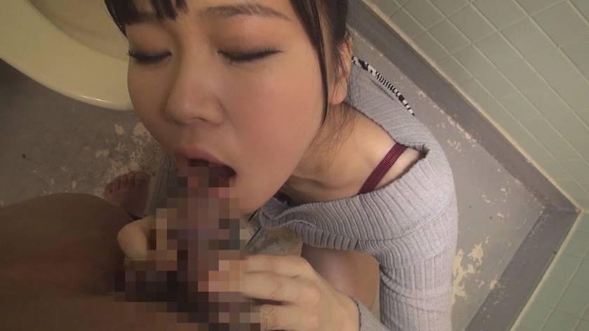 真正ドM変態女のザーメン&小便ごっくん顔面崩壊2穴調教 杠えな  サンプル画像2
