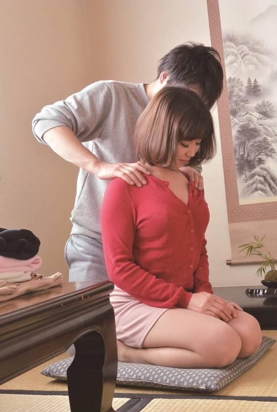 嫁の母とAV鑑賞をするべさ… 藤崎美冬(46)  サンプル画像2