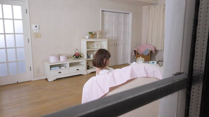 【VR】隣に住む美少女の家をのぞき、侵入、睡眠薬昏睡レイプ  サンプル画像2