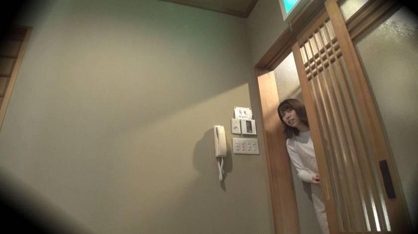 ゆり(18) 推定Cカップ 箱根湯本温泉で見つけたお嬢さん タオル一枚 男湯入ってみませんか?  サンプル画像2