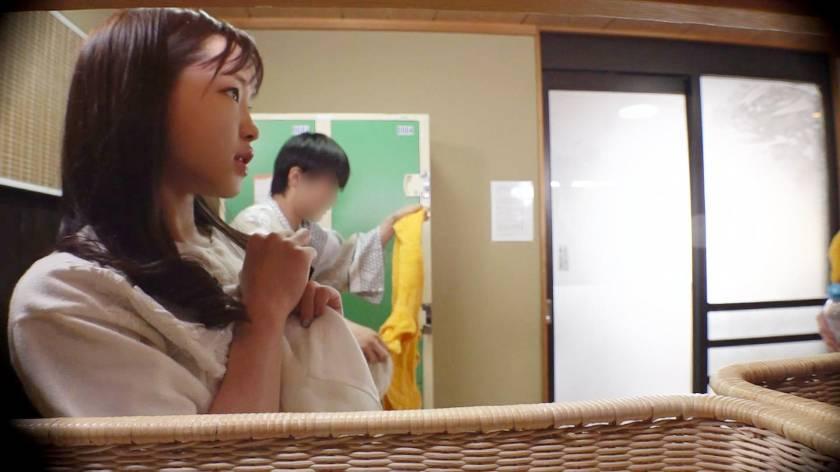 あいり(23) 推定Eカップ 箱根湯本温泉で見つけたお嬢さん タオル一枚 男湯入ってみませんか?  サンプル画像2