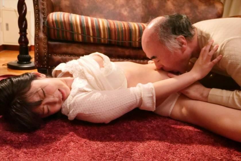 献身…義父への肉体介護 汚される幼な妻 浅田結梨  サンプル画像2