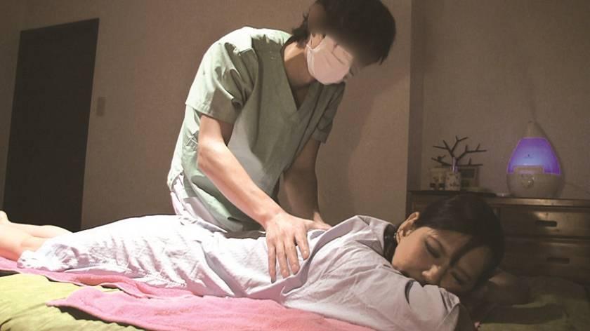 マッサージ師の強引な指使いに濡らす女たち…清楚系ばかりの 8時間  サンプル画像3