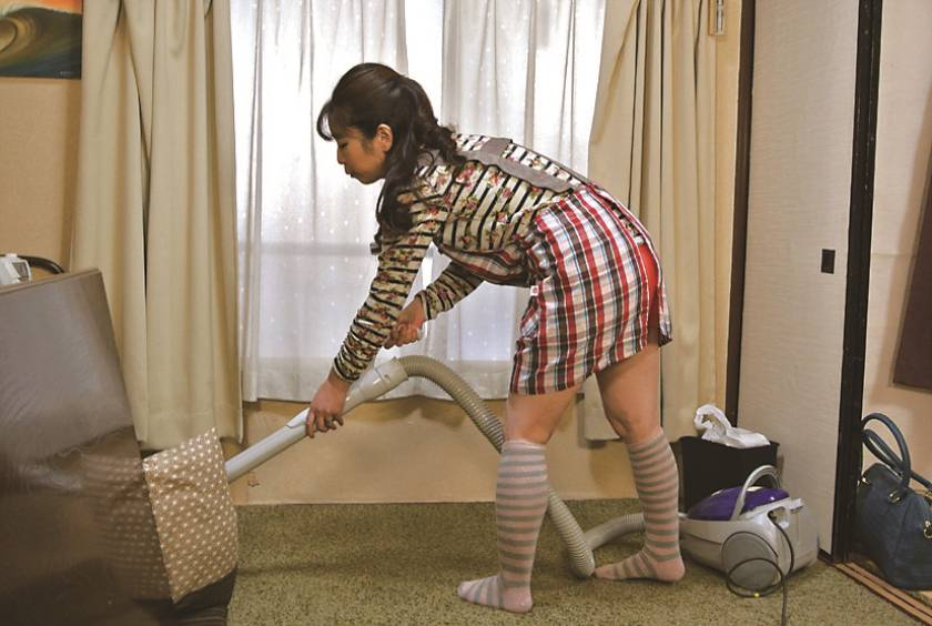 仙台から上京した嫁の母が…巨乳義母 月白さゆり  サンプル画像3