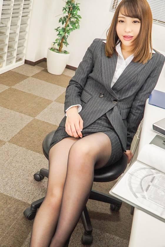 社内で唯一の黒パンスト女子 咲野の花  サンプル画像3