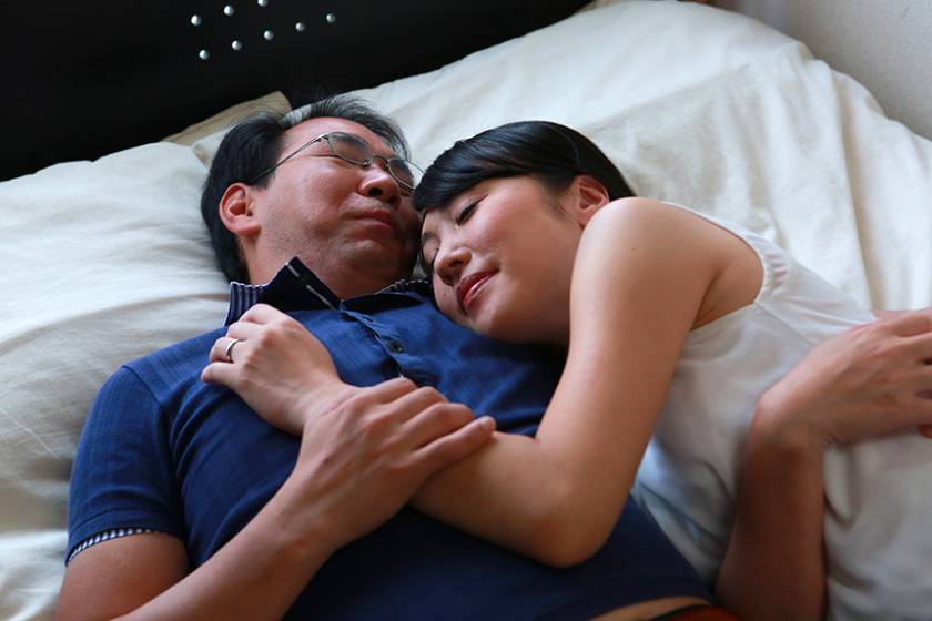 一度でいいから結婚したい!四十路男女が24時間限定で中●し夫婦生活  サンプル画像3