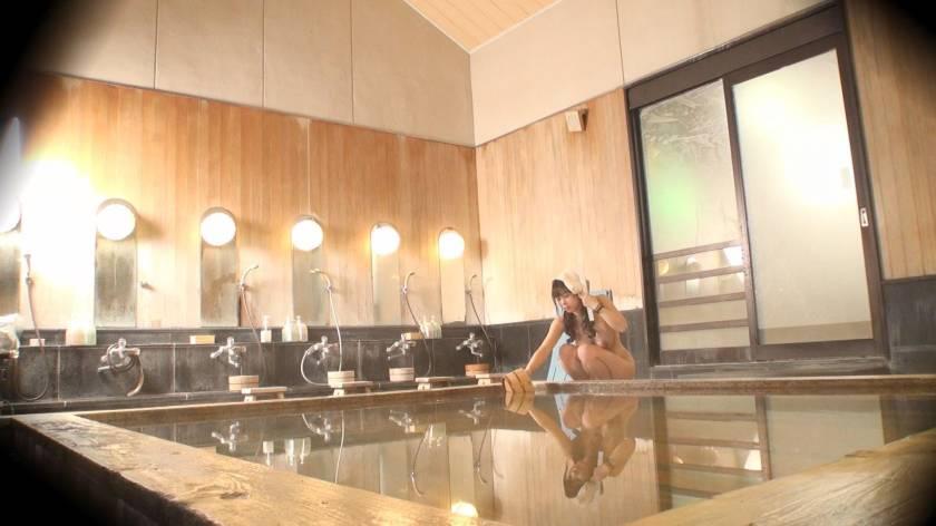くるみ(23) 推定Hカップ 箱根湯本温泉で見つけたお嬢さん タオル一枚 男湯入ってみませんか?  サンプル画像3