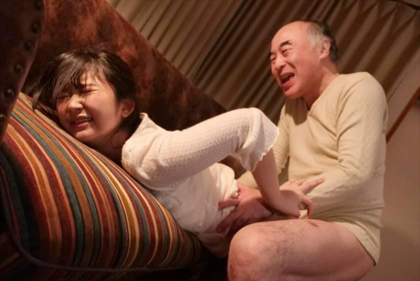 献身…義父への肉体介護 汚される幼な妻 浅田結梨  サンプル画像3
