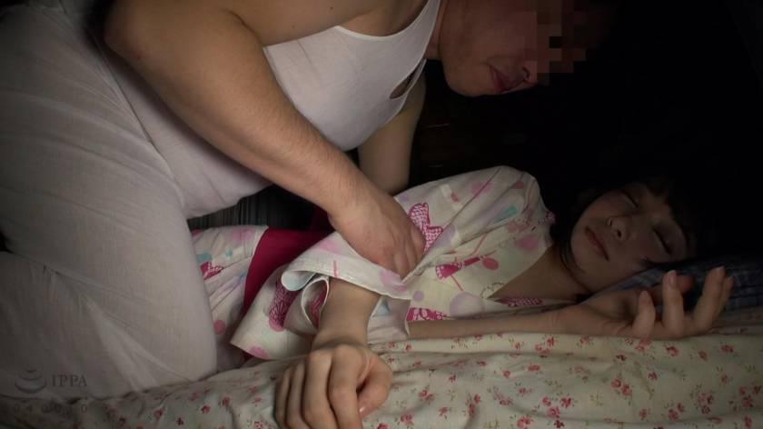 父親に犯され続ける娘の近親相姦映像 もりの小鳥  サンプル画像4