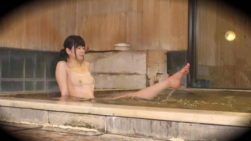 あみ(20) 推定Dカップ 箱根湯本温泉で見つけたお嬢さん タオル一枚 男湯入ってみませんか?  サンプル画像4