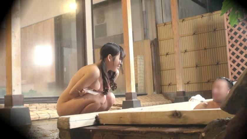くるみ(23) 推定Hカップ 箱根湯本温泉で見つけたお嬢さん タオル一枚 男湯入ってみませんか?  サンプル画像4