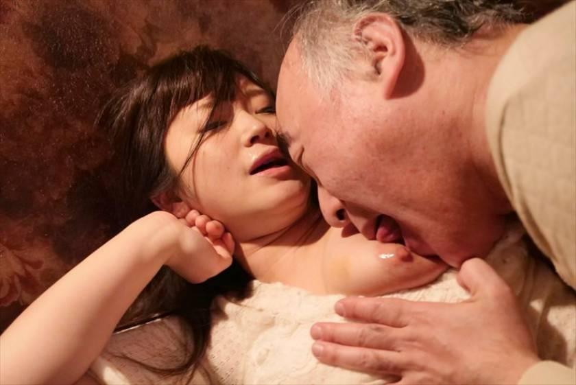 献身…義父への肉体介護 汚される幼な妻 浅田結梨  サンプル画像4