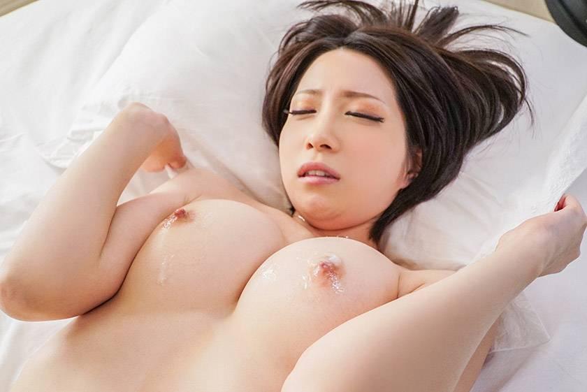 感じる乳首ビックンビックン 極上美乳性交 鷹宮ゆい  サンプル画像5