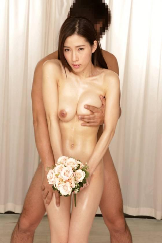 寝取らせ検証 『綺麗な裸を残しておきたい』メモリアルヌード撮影で共演した夫よりも若いモデルの他人棒を見て愛液を垂らした妻はその後、SEXしてしまうのか? VOL.5  サンプル画像5