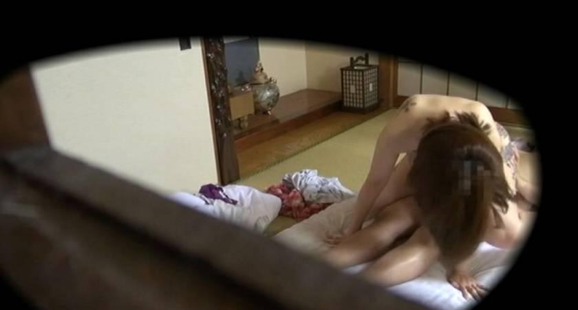 一般家庭を覗いてみたら思いっきりセックス真っ最中だったから大急ぎで録画した俺!  サンプル画像5