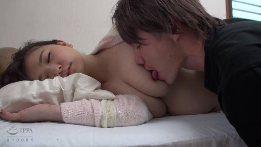 眠った姉と何度も性交を繰り返す弟の近親相姦映像 8時間  サンプル画像6
