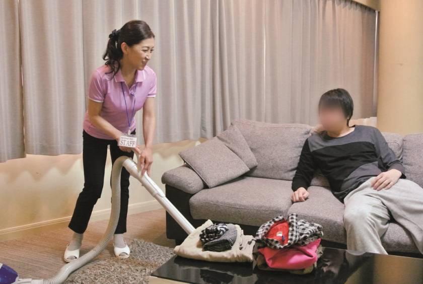 意外とヤレる!!家事代行サービスのおばさん 3  サンプル画像6