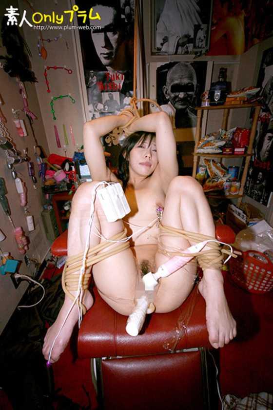 (強制)ふつ~の主婦を拘束して電マ放置でビクンビクンカクンカクン失神させてみた  サンプル画像6