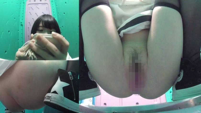 美少女厳選 花火大会仮設トイレハイビジョン高画質3カメ盗撮  サンプル画像8