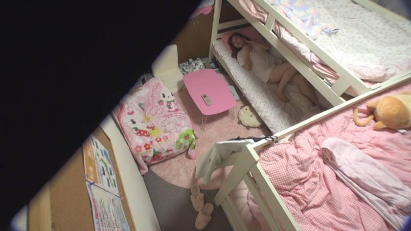 日常をこっそり覗く 女子社員寮オナニー盗撮  サンプル画像8