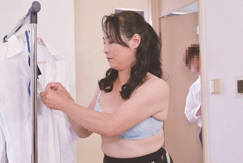職場のスケベなおばさん セクハラしたらセックスできる…? 1 サンプル画像10