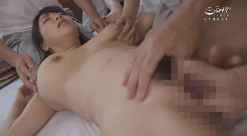 乳房を蹂躙する快楽・訳あり巨乳妻達 白石りん 三島奈津子 松 サンプル画像10