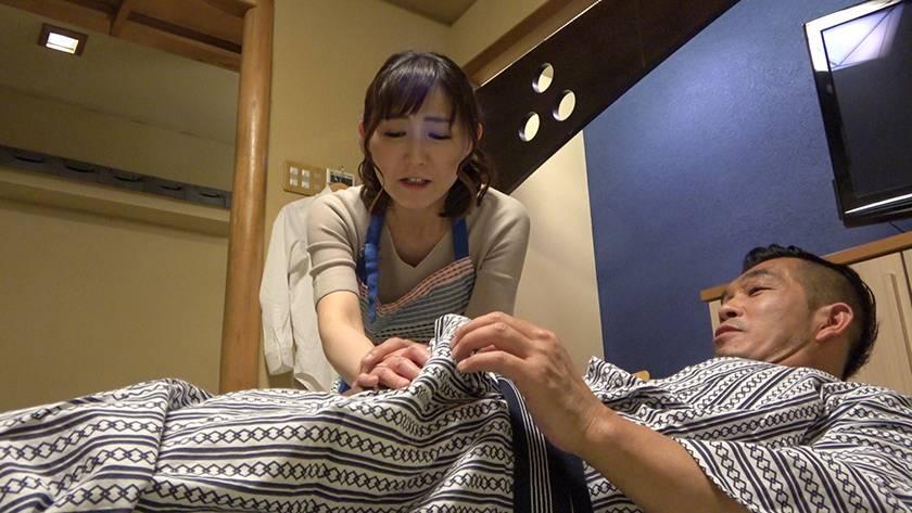 寝込みを襲われた民宿のおかみ 快楽堕ちした熟女の膣奥に濃厚射 サンプル画像11